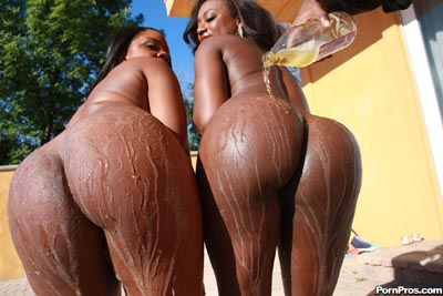 Naked black babes with curvy round ass